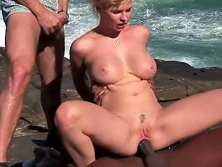 Interracial Threesome Game With Sweet Blonde Tarra White
