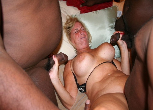 sexy nude women amateurs thumbs